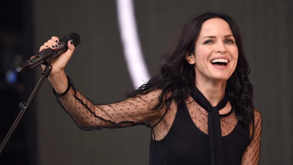 Andrea corr keeps her face in a jar entertainment heat altavistaventures Image collections
