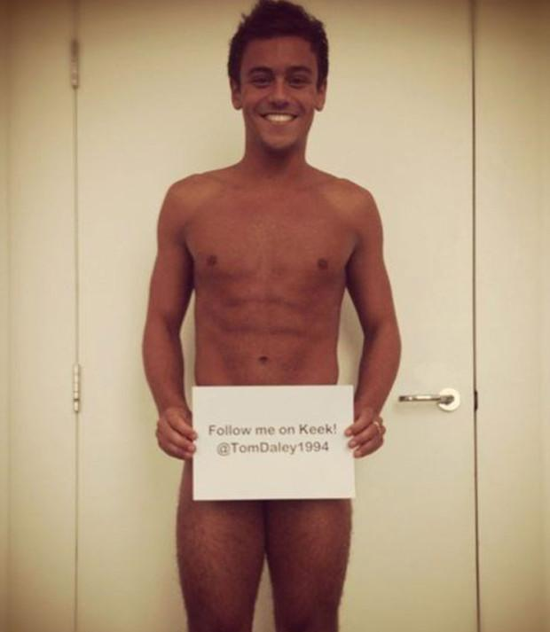 Tom daley cought naked