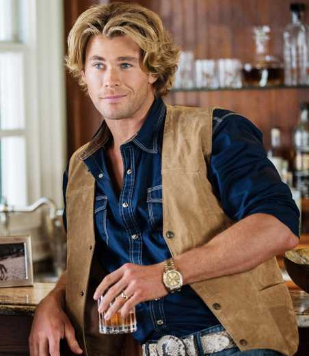 Vacation Star Chris Hemsworth Needed A 10-INCH Prosthetic