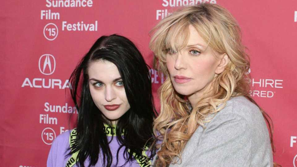 Courtney Love admits taking heroin while pregnant with ...