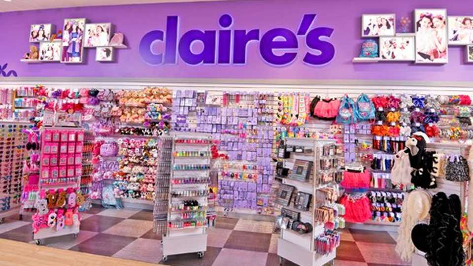 35d61a66c8 10 Things you ll only know if you used to shop at Claire s ...