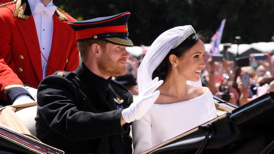 The official Royal Wedding photos have been released ... 8ba2adadb32