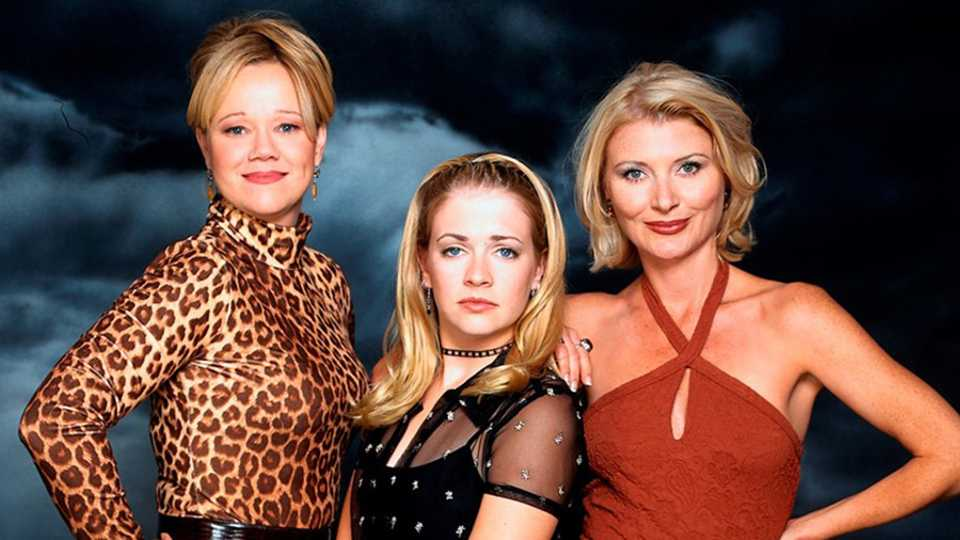 Sabrina The Teenage Witch is making a comeback TODAY ... Sabrina The Teenage Witch