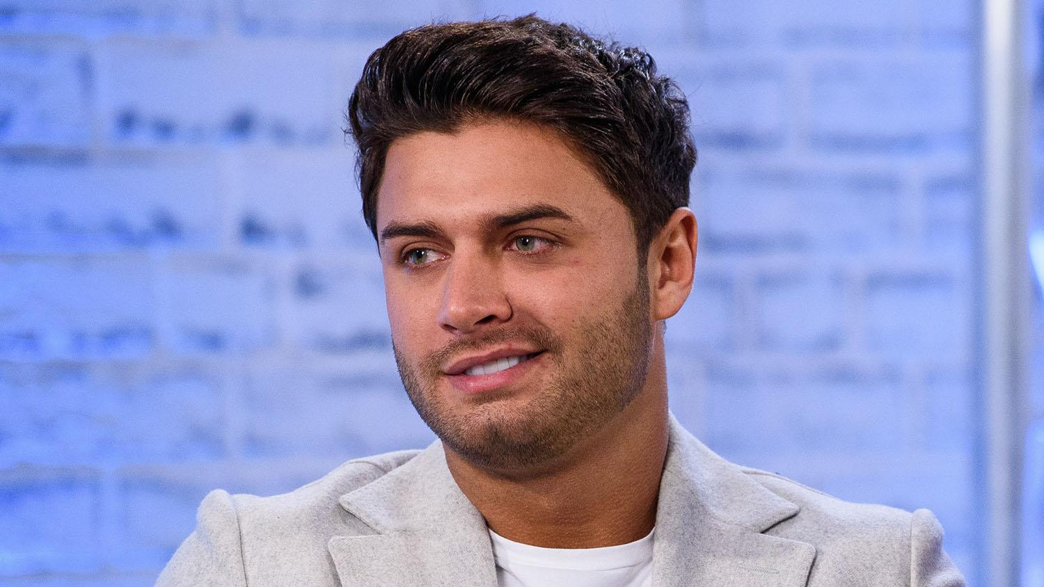 Love Island Star Mike Thalassitis Dead at 26